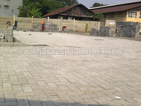 Proyek Pemasangan Paving Block di Cawang